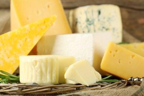 Tipos de queijo e seu valor nutricional.