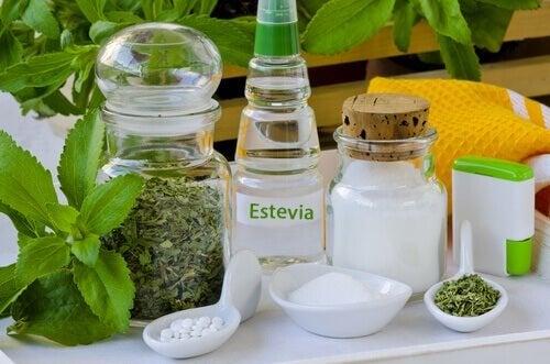 Use stevia em vez de açúcar para reduzir calorias em seus pratos