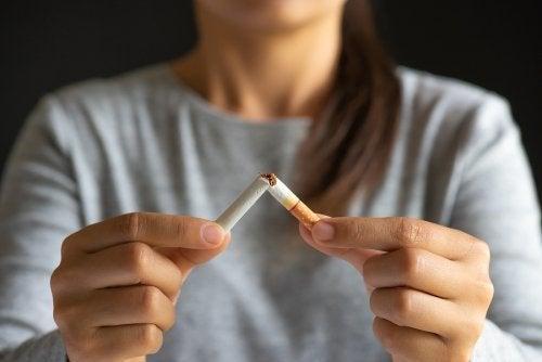 Dieta para parar de fumar: alimentos que ajudam