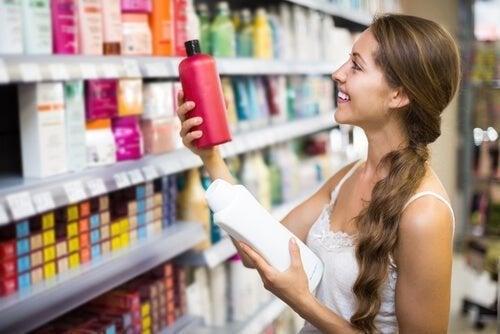 Escolha bons produtos capilares