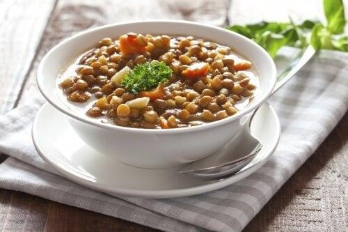 Ensopado de lentilha, refeição dietética