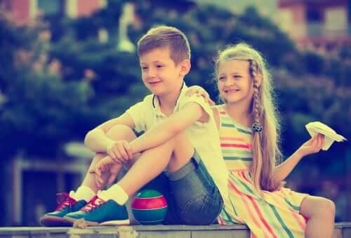 Namoro entre crianças: como agir nessas situações