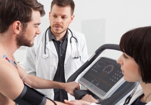 Reabilitação cardíaca: retorno à vida ativa após uma intervenção