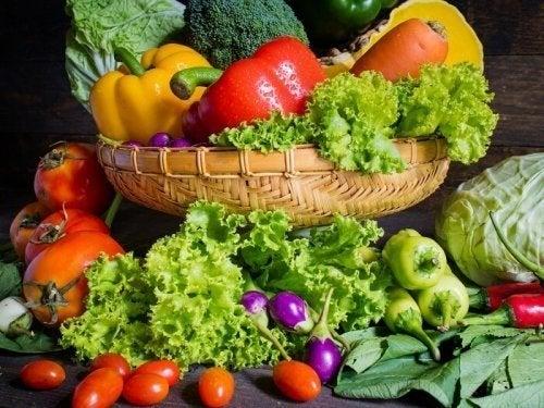 frutas e legumes frescos para diminuir calorias