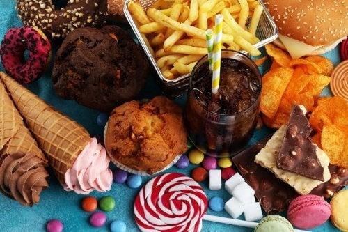 O açúcar da dieta é responsável em grande parte pela formação das cáries.