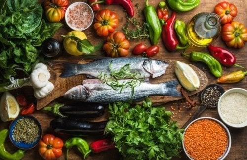 Alimentos saudáveis e variados.