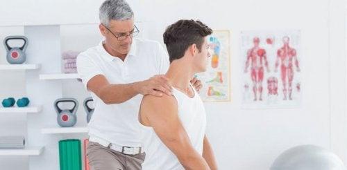 A fisioterapia ajuda a aliviar uma hérina de disco