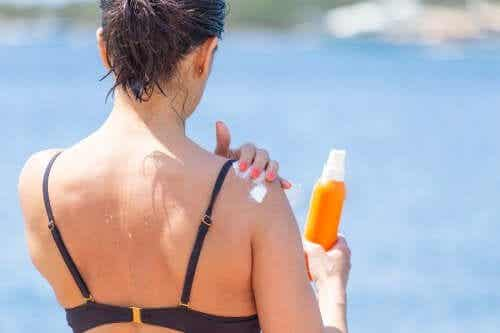 Como clarear a pele queimada pelo sol