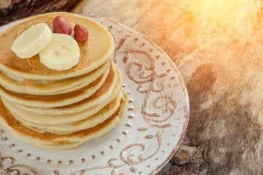 Aprenda a preparar deliciosas panquecas de banana