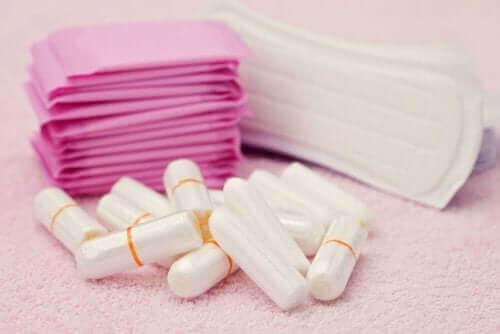 Preste atenção aos produtos que você usa para controlar a menstruação.