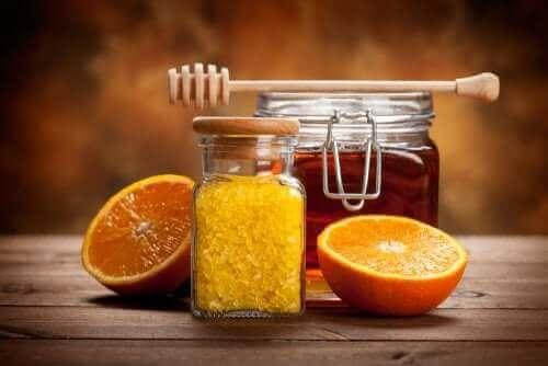 Adoce a geleia de frutas cítricas com mel