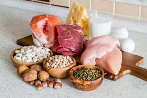 As proteínas magras reduzem a fadiga e fornecem nutrientes essenciais como o ferro