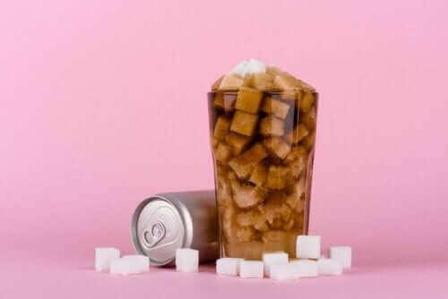 Coca-Cola cheia de açúcar