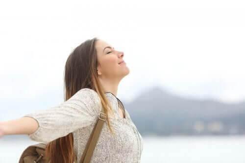 Como fazer exercícios de respiração para melhorar o sono