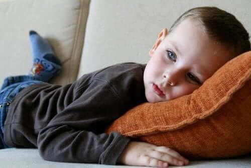 A ansiedade afeta seu filho física e emocionalmente.