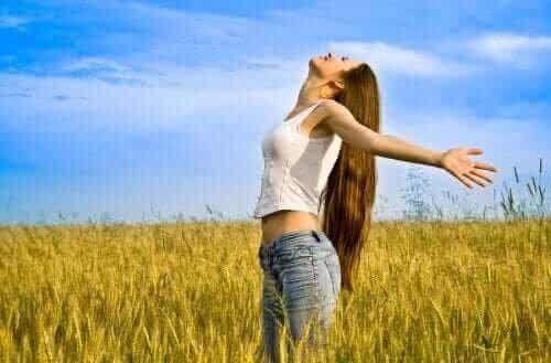 Hábitos de amor próprio que toda mulher deve adotar