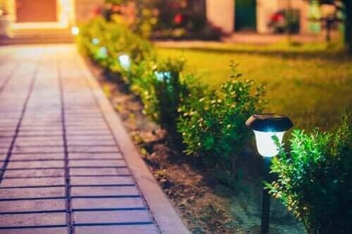Como fazer luminárias para decoração de exteriores