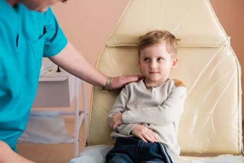 Síndrome nefrótica em crianças: causas e tratamento
