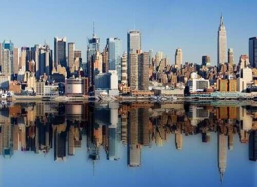 A salada Waldorf tem sua origem na cidade cosmopolita de Nova York