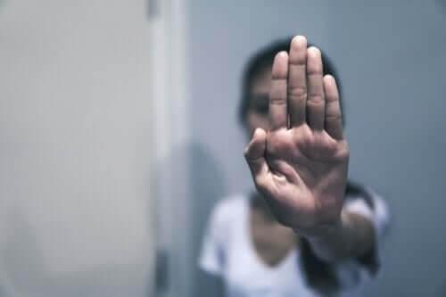 O abuso verbal: exemplos e recomendações