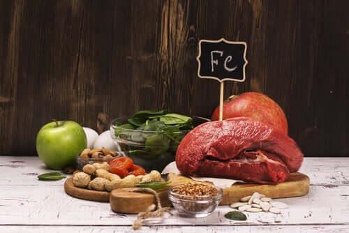 Qual é a diferença entre anemia e déficit de ferro?