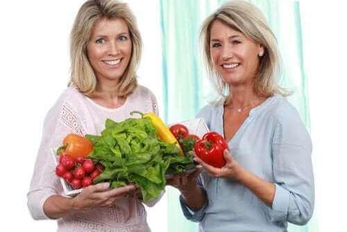 Alimentação saudável na chegada da menopausa