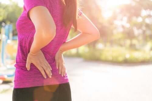 3 exercícios para evitar as dores nas costas