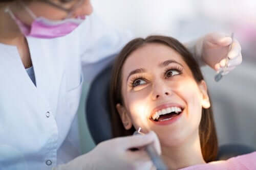 Mulher no dentista