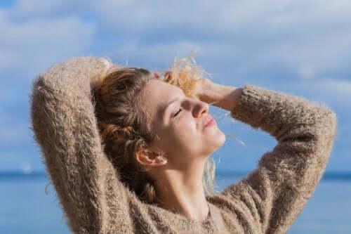 5 remédios naturais para proteger os cabelos do sol