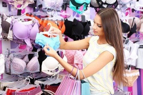 Como escolher roupas de qualidade