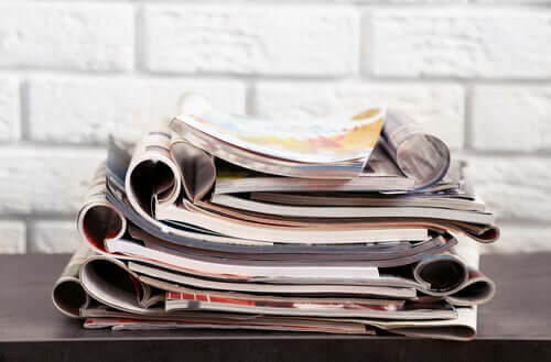 Revistas empilhadas totalmente reutilizáveis
