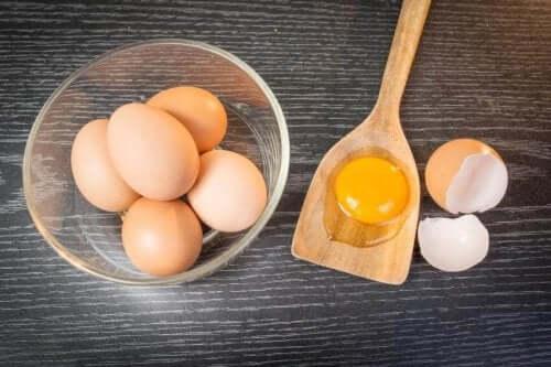 Tratamento capilar à base de ovos
