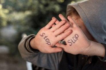 Abuso emocional: efeitos a curto e longo prazo