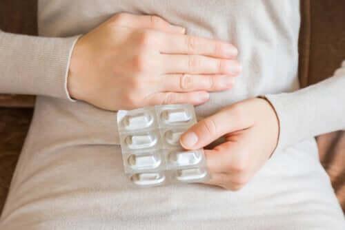 Devemos evitar a automedicação com antibióticos