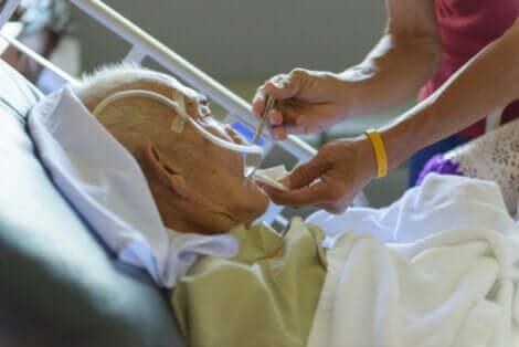 Os idosos entre as pessoas mais vulneráveis ao COVID-19
