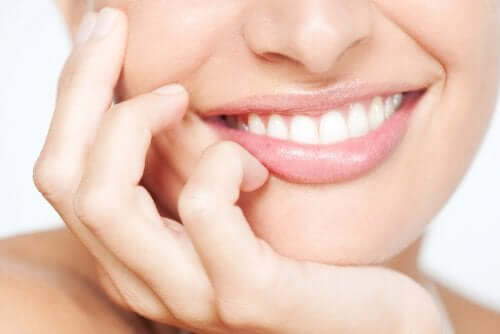 Sorriso branco e bonito