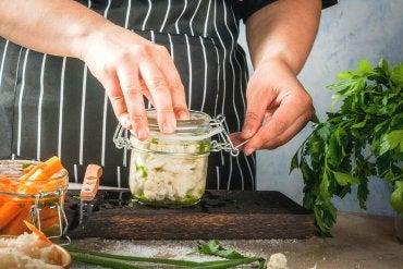 3 receitas fáceis para preparar alimentos fermentados