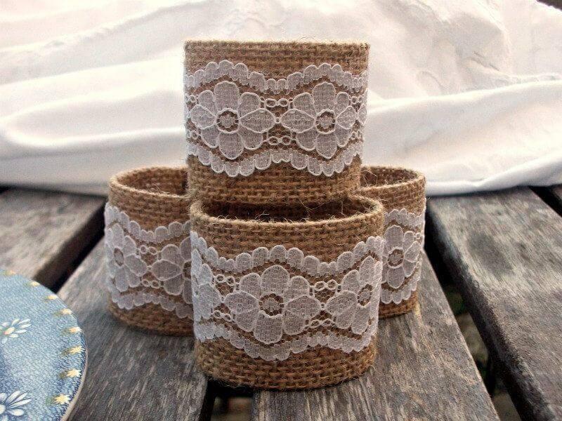 Anel de guardanapo feito de estopa