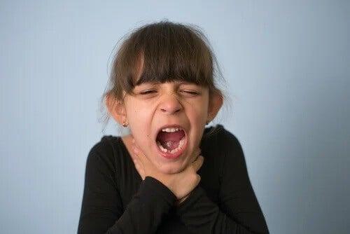 Engasgo em crianças: o que fazer e como prevenir?
