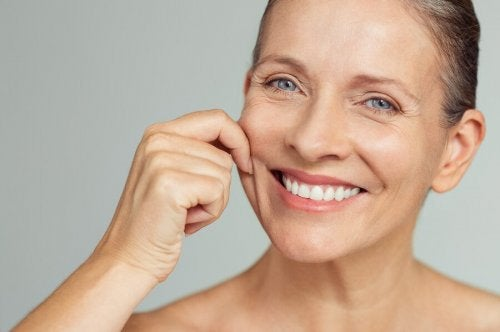 7 erros comuns ao cuidar da pele que você deve evitar