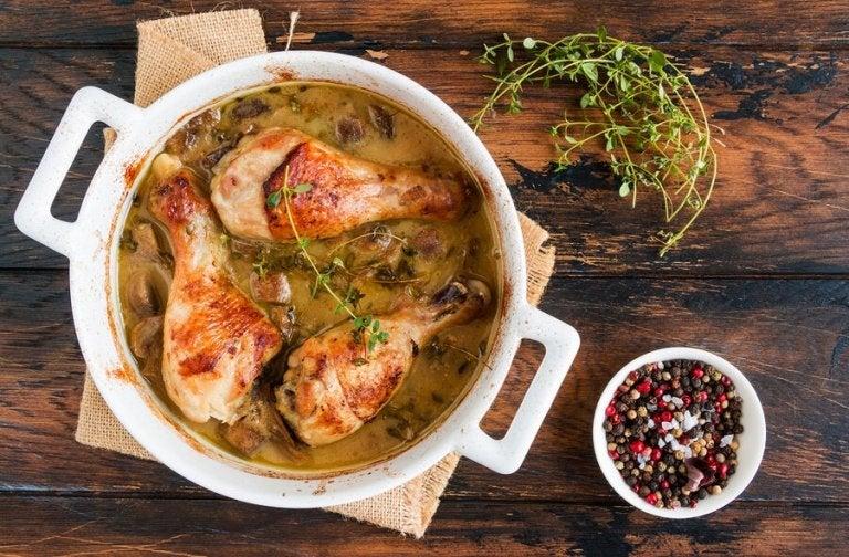 2 deliciosas receitas de frango com cogumelos