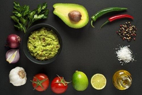 Ingredientes para fazer guacamole