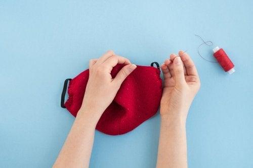 Como fazer máscaras de tecido em casa