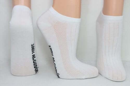 As meias e o suor nos pés