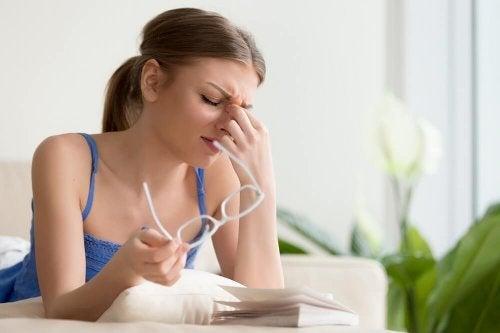 4 tratamentos naturais para a dor nos olhos