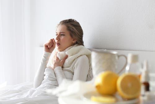 O que você sabe sobre a tosse associada a um resfriado?