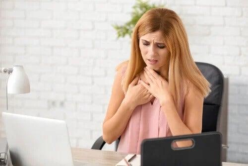Sensação de falta de ar: principais causas e o que fazer