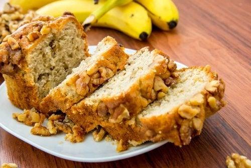 Pão de banana com amêndoas, gostoso e nutritivo
