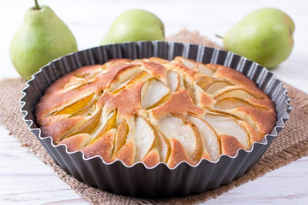 Como preparar uma torta de pera sem açúcar?