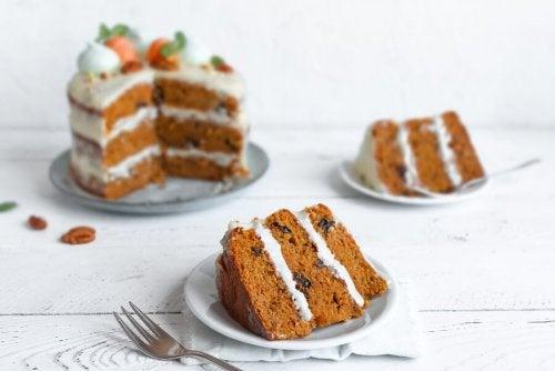 2 formas fáceis de fazer bolo de cenoura